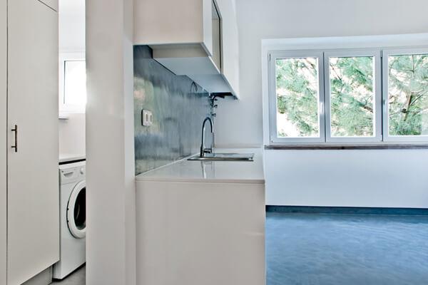 Máquinas - Cozinha - Depois - Apartamento av. Paris - Lisboa