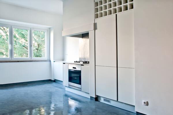Armários e despensa - Cozinha - Depois - Apartamento av. Paris - Lisboa