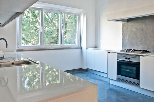 Bancada e eletrodomésticos - Cozinha - Depois - Apartamento av. Paris - Lisboa