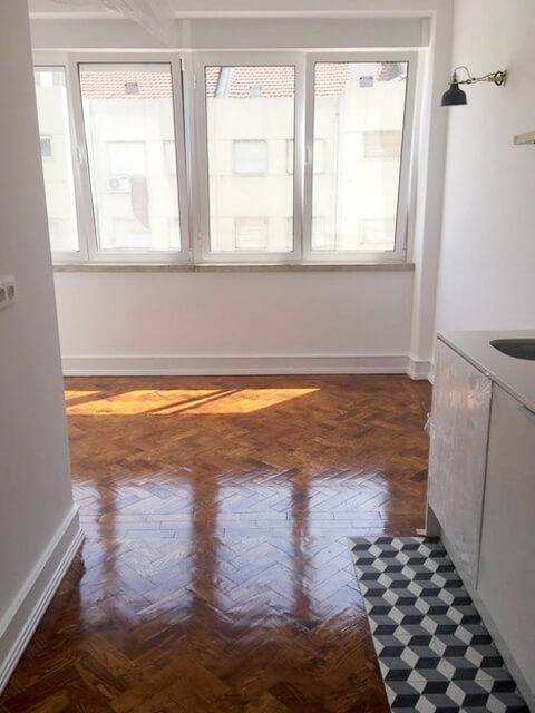 Janela - Cozinha - Depois - Apartamento Estefânia - Lisboa