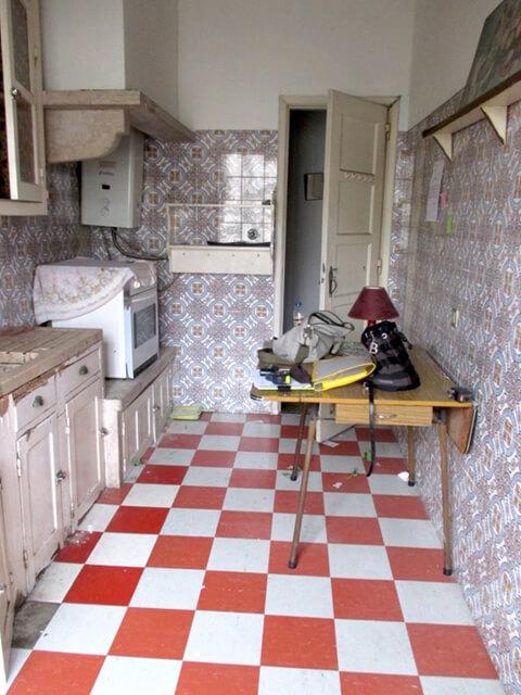Armários e eletrodomésticos - Cozinha - Antes - Apartamento Estefânia - Lisboa