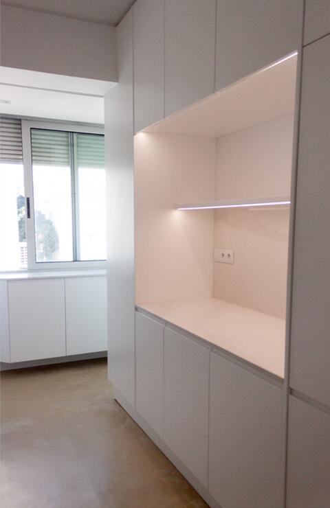 Armários iluminação cozinha - Depois - Apartamento Campo de Ourique - Lisboa