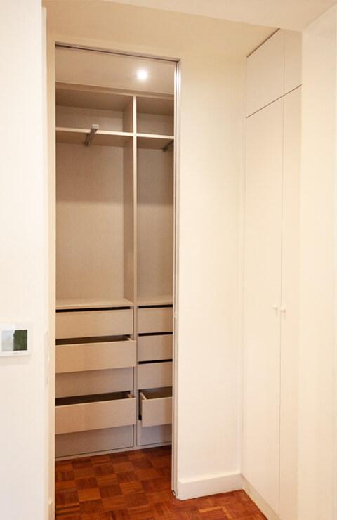 Roupeiro quarto - Depois - Apartamento Campo de Ourique - Lisboa